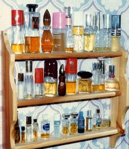 perfume_shelf_536pix
